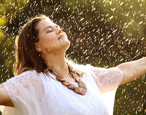Emmi-in-rain